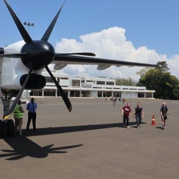 Flugzeug auf Provinzflughafen